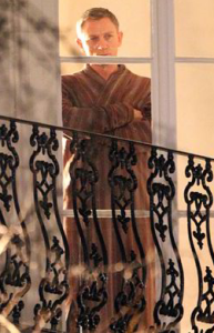 Affordable Bond Wardrobe dressing gown