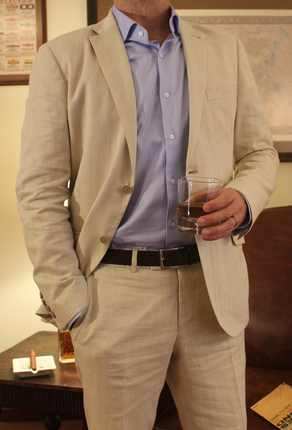 https://www.iconicalternatives.com/wp-content/uploads/2019/08/Gagliardi-Linen-Suit-look-1b.jpg